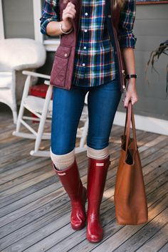 Preppy Fall Style: Barbour Vest & Hunter Boots