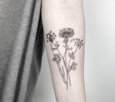 Pin by rose pixie on drawing forearm tattoos, flower tattoos, tattoos. Rose Tattoos, Flower Tattoos, New Tattoos, Girl Tattoos, Tatoos, Fashion Tattoos, Black Tattoo Art, Black Tattoos, Herbst Tattoo