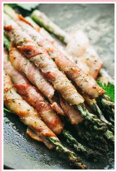 Bacon Wrapped Asparagus with Balsamic Glaze - Crispy roasted asparagus spears wrapped in bacon and brushed with a sweet balsamic and brown sugar glaze. Honey Balsamic Chicken, Bacon Wrapped Asparagus, Asparagus Recipe, Asparagus Spears, Sprout Recipes, Veggie Recipes, Fish Recipes, Cookie Recipes, Cookies