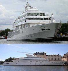 Larry Ellison's rising-sun-yacht