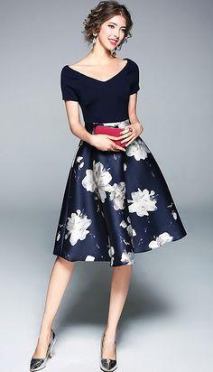 Navy Blue V-neck Floral Printed Midi Dress Elegant Midi Dresses, Cute Dresses, Short Dresses, Formal Dresses, Dresses Dresses, Floral Fashion, Fashion Dresses, Moda Floral, Affordable Dresses