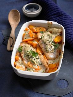 Rotbarsch-Filet mit Möhren und Senfcreme Redfish fillet with carrots and mustard cream, a great reci Salmon Recipes, Fish Recipes, Lunch Recipes, Seafood Recipes, Beef Recipes, Vegetarian Recipes, No Calorie Foods, Low Calorie Recipes, Easy Healthy Recipes