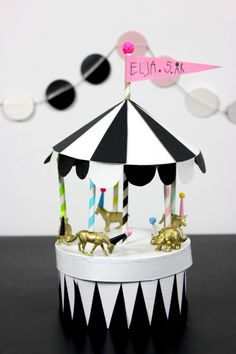 Circus Theme, Circus Party, Diy For Kids, Crafts For Kids, Carousel Birthday Parties, Gift Wraping, Kids Party Decorations, Diy Origami, Diy Photo
