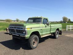 1975 Ford Highboy - No Reserve! Cool Jeeps, Cool Trucks, Classic Ford Trucks, Classic Cars, Garage Repair, Classic Car Restoration, Welding Tips, Ford 4x4, Vintage Cars