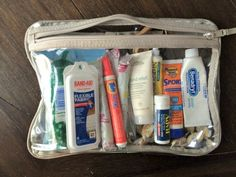 mom life For the prepared mom, creating a simple toss-and-go kit of travel size items can be a life saver. See whats in my essential kit for every moms purse here Kids And Parenting, Parenting Hacks, Baby Outfits, 5 Weeks Pregnant, Pregnant Tips, Purse Essentials, College Bag Essentials, Travel Essentials For Women, Road Trip Essentials