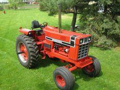 1976 IH 1466 Black Stripe International Tractors, International Harvester, Vintage Tractors, Vintage Farm, John Deere Garden Tractors, Lawn Tractors, Small Tractors, Classic Tractor, Case Ih