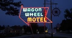 Wagon Wheel Motel on Route 66. Cuba, Missouri. http://www.laroute66.com/hebergement-route66.html