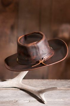 Made of rich, full-grain leather, this rugged hat is wonderfully durable, featuring superb protection from the elements. Free shipping returns.