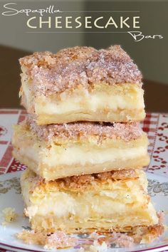 This version of sopapilla cheesecake bars is quick and easy with minimal effort. It starts and ends with Crescent Rolls, with simplest cheesecake filling. desserts for a crowd Easy Sopapilla Cheesecake Bars - Cakescottage Mini Desserts, Desserts Nutella, Easy Desserts, Easy Delicious Desserts, Homemade Desserts, Plated Desserts, Healthy Desserts, Bon Dessert, Dessert Bars