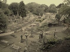 View over Church Rock Cemetery Nottingham Caves, Nottingham Uk, Old Cemeteries, Graveyards, Local History, Family History, Cemetery Art, History Photos, Slums