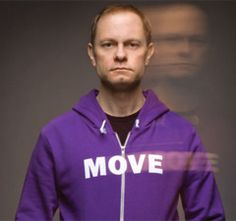 """Actor David Hyde Pierce is probably best known for his role on the television show """"Frasier."""" But he has been an active Alzheimer's Champion for years, helping the Alzheimer's Association in our efforts as the leading, global voluntary health organization in Alzheimer's care and support. In an interview, Pierce talks about raising awareness, the public perception of Alzheimer's, how federal research funding for the disease must be increased and more."""