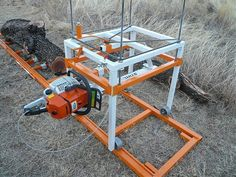 It takes a monster Stihl. to run us Sawmill that size Homemade Chainsaw Mill, Portable Chainsaw Mill, Portable Saw Mill, Lumber Mill, Wood Mill, Chainsaw Mill Attachment, Hydraulic Chainsaw, Chainsaw Mill Plans, Jig Saw