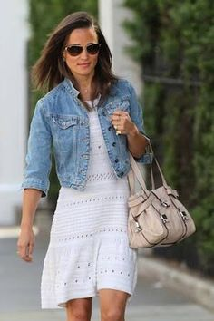 Branco x jeans: par perfeito.