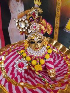 Radha Krishna Images, Radha Krishna Love, Gold Jewelry Simple, Simple Necklace, Shree Krishna Wallpapers, Laddu Gopal Dresses, Bal Gopal, Mata Rani, Ladoo Gopal