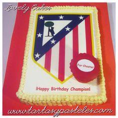 Tarta escudo Atlético de Madrid  y Cupcakea juego blanco y rojo ;.)