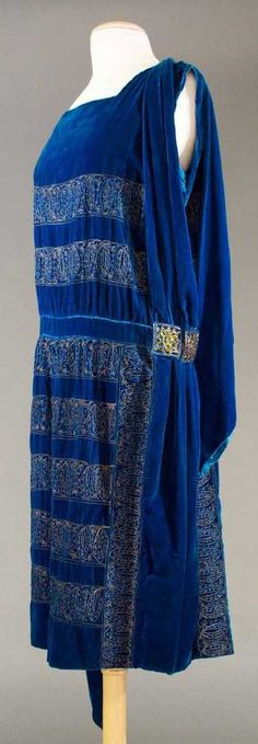 ONE BLUE & ONE BLACK EVENING DRESS, 1920s - 5