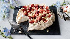Meringue Pavlova, Dessert Recipes, Desserts, Something Sweet, Camembert Cheese, Dairy, Baking, Food, Sweet Ideas