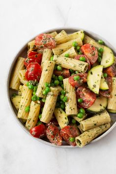 This tahini pesto pasta salad is made with an untraditional, tahini-based pesto. It's oil free, easy to prepare, and super creamy! A perfect make-ahead dish for summer gatherings or cookouts. #vegan #wholefoodplantbased #plantbased #vegetarian Veggie Recipes, Whole Food Recipes, Salad Recipes, Healthy Recipes, Pesto Pasta Salad, Tahini, Vegan Dinners, Vegan Life, How To Cook Pasta
