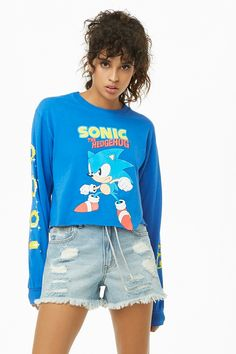 Forever 21 is the authority on fashion & the go-to retailer for the latest trends, styles & the hottest deals. Shop dresses, tops, tees, leggings & more! Long Sleeve Crop Top, Long Sleeve Shirts, Forever 21 Girls, Shop Forever, Summer Outfits, Cute Outfits, T Shorts, Tee Design, Latest Trends