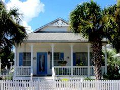 Beach Cottage in Crystal Beach in Destin