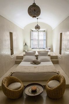Moroccan bedroom design is an exotic design that will inspire African-themed look in your home. Explore ideas and tips on how to achieve this look. Moroccan Bedroom, Moroccan Interiors, Moroccan Decor, Ethnic Bedroom, Indian Bedroom, Moroccan Furniture, Japanese Furniture, Moroccan Lanterns, Moroccan Design