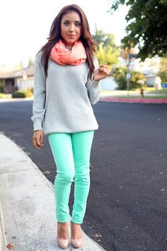 Pink scarf, light gray, and neutral shoes...awesome!