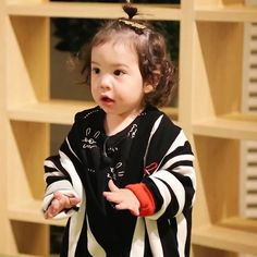Cute Kids, Cute Babies, Superman Kids, Baby Park, Korean Babies, Meme Faces, Little Star, Kid Spaces, Baby Fever