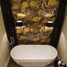 Luxusbad vor Flamingokulisse, realisiert von uth home  #klassischwohnen #living #design #interior #interiordesign #decoration #homestyling #interiorstyling #classicalhomes #classicaldecoration #classicaldesign #classicalliving #badezimmer # bathroom #uth_home Interiordesign, Bathtub, Bathroom, Backdrops, Classic, Homes, Standing Bath, Bath Room, Bath Tub