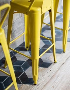 Yellow bar stools by Tolix Bar Chairs, Bar Stools, Room Chairs, Dining Chairs, Lounge Chairs, Parsons Green, Deco Restaurant, White Cafe, Bar Interior