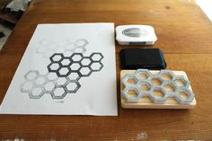 DIY | Honeycomb Stamp by Ladyface Blog