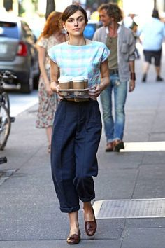 coffee run! #KeiraKnightley in a brilliant culottes/top ensemble. LA.