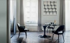Saarinen Tulip table, black marble top