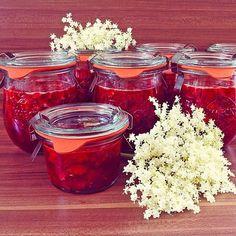 Erdbeermarmelade mit Holunderblüten, ein raffiniertes Rezept aus der Kategorie Frühling. Bewertungen: 70. Durchschnitt: Ø 4,6.