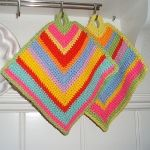 Karin on the hook: ~ CROCHET PATTERNS ~ Takes you to pattern in English.