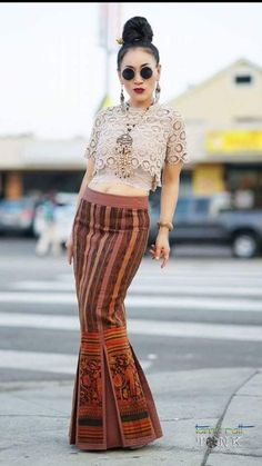 Thai Fashion, Korean Fashion Dress, Skirt Fashion, Hijab Fashion, Fashion Dresses, Blouse Batik, Batik Dress, Silk Dress, Thai Traditional Dress