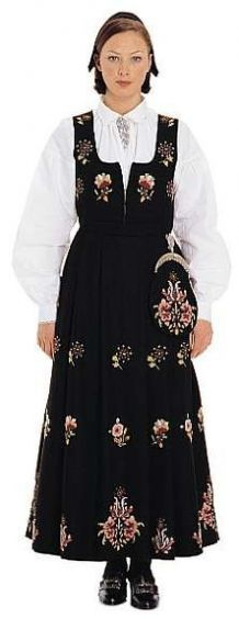 """Black """"Dovrebunad"""" from Dovre, Gudbrandsdalen, Oppland, Norway Folk Costume, Costumes, Norwegian Clothing, Bridal Crown, My Heritage, Ethnic Fashion, Traditional Outfits, Norway, Most Beautiful"""