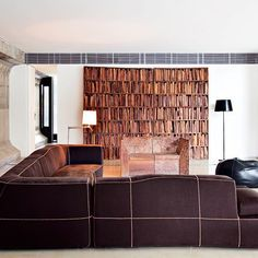Des meubles à vivre et à regarder