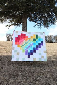 Daydreams of Quilts: Rainbow Pixel Heart in a Pixel Heart Quilt with Boundless Ombre Fabrics Ombre Fabric, Scrap Busters, Rainbow Quilt, King Size Quilt, Tree Quilt, Girls Quilts, Quilting Designs, Quilting Ideas, Custom Quilts
