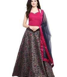 Classy pink partywear lehenga choli online for women which is crafted from chanderi cotton fabric with exclusive zari woven. Shop this stunning partywear lehenga comes with banarasi cotton lehenga and net dupatta. Cotton Lehenga, Lehenga Crop Top, Ethnic Trends, Latest Fashion For Women, Womens Fashion, Ghagra Choli, Lehenga Choli Online, Kurta Designs, Indian Wear