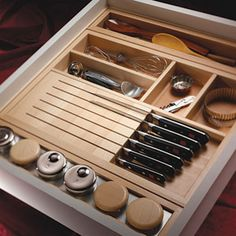 Quality Accessories Help to Organize a Kitchen