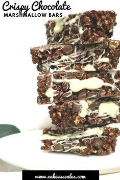 Crispy Chocolate Marshmallow Bars ⋆ Cake Vs Scales Chocolate Rice Crispy Cakes, Chocolate Marshmallows, Chocolate Brownies, Chocolate Desserts, Yummy Drinks, Yummy Food, Tasty Snacks, Delicious Recipes, Dessert Bars