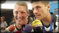 Thomas Müller veralbert eine kolumbianische WM-Reporterin. Er ist sooo geilll :D