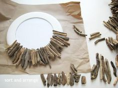 DIY - Driftwood Mirror Tutorial.With driftwood we can easily create decorative and utilitarian objects for our beach house.