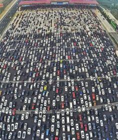 SO GEHT STAU AUF CHINESISCH Auf diesem Highway ist echt die Hölle los