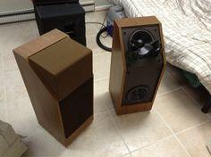 Pro Audio Speakers, Diy Speakers, Hifi Audio, Audio Room, Speaker Design, Bar Counter, Loudspeaker, Audiophile, Motors