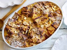 Celebrate first thing with a festive Christmas Day brunch using favorite dishes from Food Network chefs. Chefs, Panettone Bread Pudding, Panettone French Toast, Christmas Breakfast Casserole, Food Network Recipes, Cooking Recipes, Ham Recipes, Yummy Recipes, Bacon
