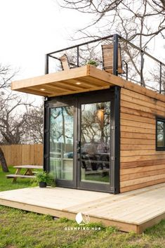 Modern Tiny House for a Romantic Getaway near Waco Texas Tiny House Ideas Getaway House Modern Romantic Texas Tiny Waco garden sauna Backyard Office, Backyard Studio, Backyard Sheds, Backyard Patio Designs, Modern Tiny House, Tiny House Cabin, Tiny House Living, Tiny House Design, Casa Patio