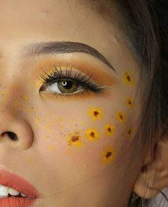 aesthetic makeup Makeup Looks Yellow Face Makeup Face Face Makeup aesthetic facemakeup guide Makeup Yellow Cute Makeup Looks, Pretty Makeup, Makeup Eye Looks, Sleek Makeup, Gold Makeup, Natural Makeup, Eye Makeup Art, Eyeshadow Makeup, Face Makeup