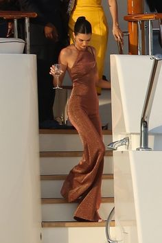 Kendall jenner style 301459768806967490 - Kendall Jenner at Cannes Source by duyguaksum Outfit Chic, Magazine Mode, Kendall Jenner Outfits, Kendall Jenner Jumpsuit, Kendall Jenner Body, Kendall Jenner Modeling, Kylie Jenner Style, Elegantes Outfit, Mode Streetwear