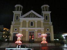 Iglesia Catolica de noche / Catholic Church at night